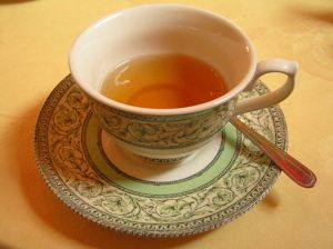 512px-Cup_of_tea,_Scotland